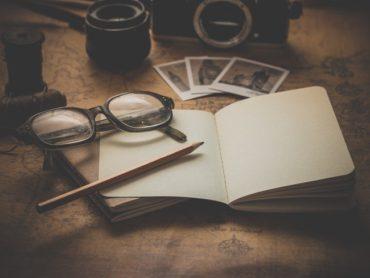 Pisarz i jego notatnik