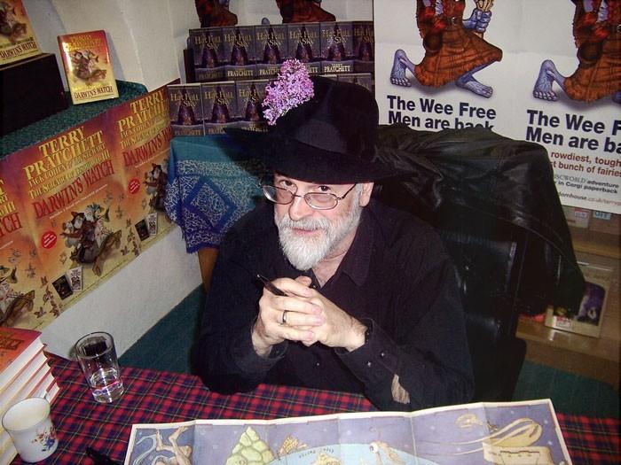 Co łączy Neila Gaimana, Terrego Pratchetta i Douglasa Adamsa? – cz.3 – zabawny czy poważny?
